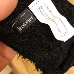 isotoner Accessories - NWOT Isotoner Signature Solid Chenille Scarf